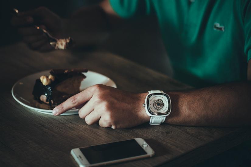 DSK Consulting posiłek w biurze - życzyć smacznego - savoir-vivre