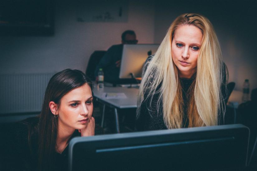 Maniery w biurze - savoir-vivre w biznesie dskconsulting.pl